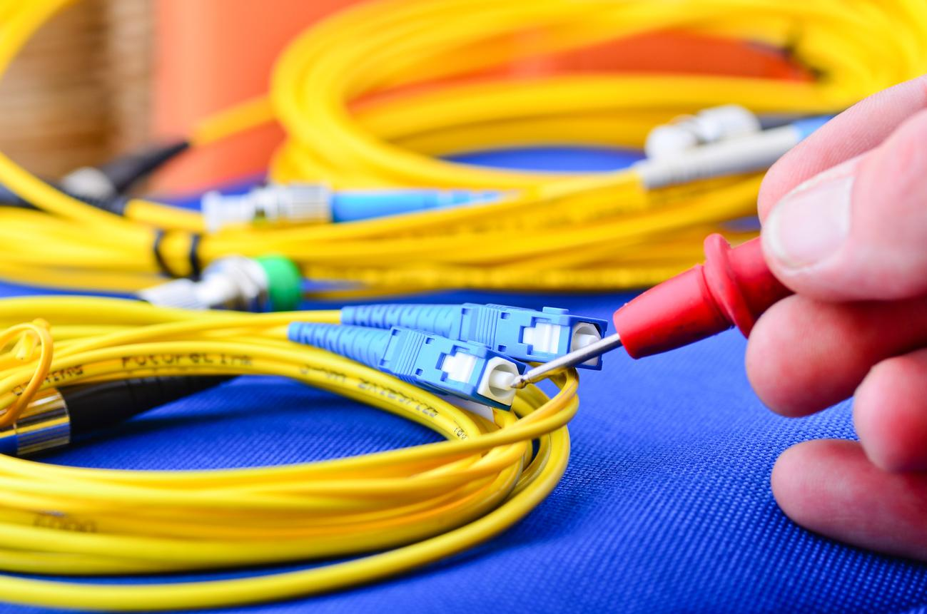 Network Cabling Contractor Category 5e 6 Cat 7 Fibre Fiber Optics Wiring Data And Solutions In Leicester